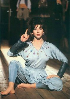 miss-vanilla: Kate Bush performing Suspended in Gaffa Divas, Great Minds Think Alike, Female Singers, Celebs, Celebrities, Her Music, Record Producer, Music Artists, Rock Artists