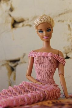 Barbie Clothes, Barbie Dolls, Fashion Dolls, Fashion Outfits, Knitting Dolls Clothes, Ball Jointed Dolls, Beautiful Crochet, Knit Crochet, Doll Crafts