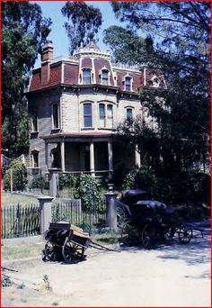 """A look at the Second Empire Victorian on Kensington Avenue in the classic movie """"Meet Me in St. Abandoned Mansions, Abandoned Houses, Abandoned Places, Old Houses, Clifton Webb, St Louis Mo, New Condo, Second Empire, Haunted Places"""