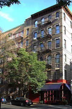 """Kamienica, w której mieli mieszkać bohaterowie serialu """"Friends"""" (""""Przyjaciele"""")  Skrzyżowanie Grove i Bredford, West Village, Manhattan, Nowy Jork, USA"""