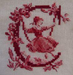 Toile de Jouy : Lettera C ricamo di giuseppina ceraso http://crocettando.wordpress.com/2014/03/26/alfabeto-toile-de-jouy-lettera-c/