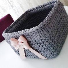 30 Cute Crochet Gifts Ideas for Loved Ones Diy Crochet Basket, Crochet Bowl, Crochet Basket Pattern, Knit Basket, Crochet Gifts, Knit Crochet, Crochet Patterns, Crochet Storage, Crochet Decoration