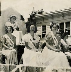 The 1939 Alameda County Fair Queen Hallie Meier, a milkmaid from Pleasanton, and her attendents ride aboard the queen's float in the parade in Pleasanton, Calif. #BayArea #EastBay