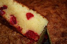 עוגת קוקוס ודובדבנים | תבשילים וחלומות - מרגישים בבית