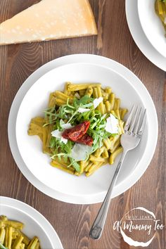 Creamy spinach, tomato and rocket pasta, packed with hidden veg!