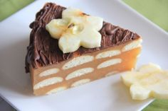 Fotorecept: Jablková nepečená torta Czech Desserts, Tiramisu, Pudding, Cookies, Cake, Ethnic Recipes, Sweet, Food, Crack Crackers