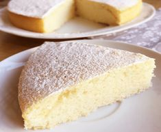 Cake without eggs, without butter and without milk, light and fluffy, the cake with water is ideal for . Gateaux Vegan, Desserts With Biscuits, Vegan Kitchen, Butter, Food Cakes, Vanilla Cake, Coco, Cake Recipes, Cheesecake