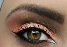 Good way to bring out lighter-colored eyes