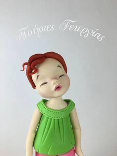 Standing girl figurine tutorial from cakes decor Fondant Girl, Fondant Flower Cake, Fondant Bow, Fondant Toppers, Fondant Cakes, Fondant People Tutorial, Fondant Face Tutorial, Fondant Figures Tutorial, Cake Tutorial