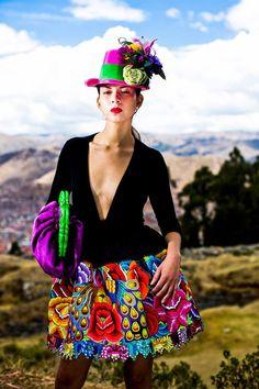 MecheCorrea - love this minus the hat. Festival Mode, Festival Fashion, Couture Mode, Couture Fashion, Moda Peru, Silhouette Mode, Fashion Books, Fashion Outfits, Fiesta Outfit