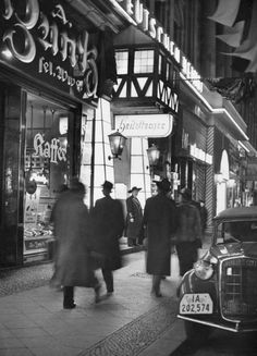 Berlin bei Nacht, Friedrichstraße, 1935