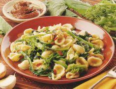 Breath-Taking Orecchiette con Cime di Rapa  Video http://poor-man-recipes.blogspot.ru/2012/12/breath-taking-orecchiette-con-cime-di.html