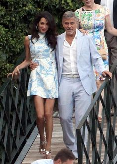 These 17 celeb couples love coordinating their outfits: Amal & George Clooney baby blues