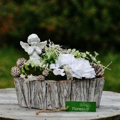 Funeral Flowers, Flower Boxes, Ikebana, Floral Arrangements, Table Decorations, Plants, Christmas, Gifts, Home Decor