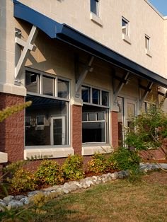 Precision Pipe Office Building features several different masonry finishes in Adobe and Hershey Red, including Rustic Face, Split Face and some Gemstone ground face, with Rustic Face encompassing the majority of the field units.  By mixing a variety of finishes, the project has smooth (Gemstone), semi-smooth (Rustic Face), and coarse (Split Face) textures throughout.