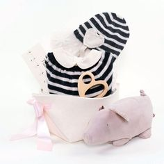 Oeuf NYC Baby Girl Gift Basket You're my heart – Bonjour Baby Baskets - Luxury Baby Gifts