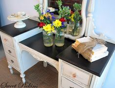 Black top awesome vanity - I am definitely doing this in on my dresser & desk!
