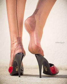 """584 Likes, 42 Comments - misslegs (@misslegs.fr) on Instagram: """"Douceur nylon #misslegs #basnylon #stockings #nylonstockings #ff #fullyfashioned #legsinnylon #legs…"""""""