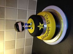 Gangnam style cake for my cousin's 9th birthday party, hope she likes it !