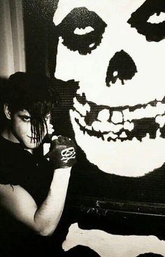 Glenn Danzig Of The Misfits . Metal Club, Beatles, Misfits Band, The Misfits, Emo, Danzig Misfits, Arte Punk, Glenn Danzig, New Wave Music