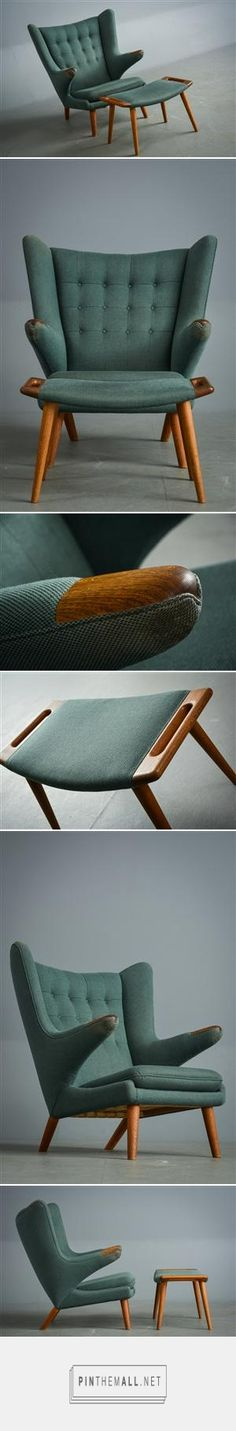 Wegner, Bamse chair has his signature mid century, traditional design also corresponding with the two colours that do give the impression of a traditional chair. Mcm Furniture, Danish Furniture, Classic Furniture, Mid Century Modern Furniture, Furniture Styles, Vintage Furniture, Furniture Design, Mid Century Chair, Modern Interior Design