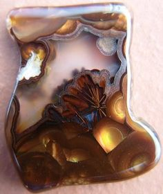 How to Search for Agates