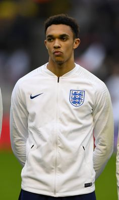 Trent Alexander-Arnold Photos - Trent Alexander-Arnold of England during the International Friendly between England and Romania at Molineux on March 2018 in Wolverhampton, England. Liverpool Football Team, Liverpool Players, Football Boys, Football Hairstyles, Arnold Photos, Paris Saint Germain Fc, England National Team, Alexander Arnold, Amor