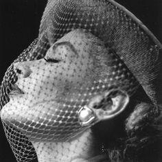Lisa Fonssagrives-Penn, photo by Frances McLaughlin-Gill, Vogue, 1951