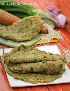 Scrumptious pancakes made using buckwheat which is extremely high in fibre and iron. Carrots and spring onion add crunch to these soft pancakes, apart from providing substantial amounts of vitamin a. When served with low calorie green chutney, they are sure to bring a smile to your face.