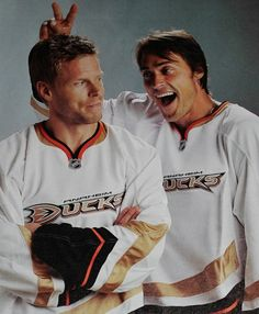 Saku Koivu & Teemu Selanne posing appropriately considering that they were playing for a franchise named after a Disney movie.