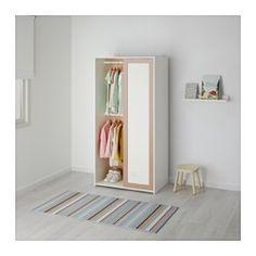 IKEA - SNIGLAR, Kleiderschrank, , Gut geeignet bei wenig Platz, da Schiebetüren beim Öffnen keinen Platz wegnehmen.Zwei Kleiderstangen und 3 Böden bieten viel Platz zum Aufhängen von Kleidung und zum Unterbringen gefalteter Wäsche, Spielzeug usw.
