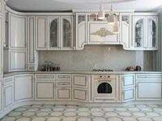 Кухня. Интерьер квартиры в светлых тонах на ул. Бухарестская