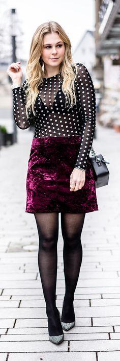 Silvester Outfit mit Samt Rock & transparentem Top // high heels, glitzer, outfit, ootd, winter, streestyle, look, fashion, frauen, women, girls, tasche, bag, blogger, blog, düsseldorf, berlin, hamburg, münchen, paris, new york, london, mailand, Blond, Blonde, Designer, Trend, It-Piece, Must-Have, Germany, Sunnyinga, 2017, 2018