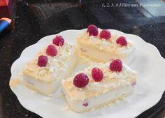 Aujourd'hui, je vous propose une nouvelle recette avec des framboises qui a été réalisée lors d'un atelier Tupperware. En général, je n'aime pas trop les desserts à base de chocolat blanc mais le mariage chocolat blanc -framboises est une vraie réussite...
