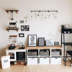 sally.さんの、lightbox,ウッド×モノトーン,インスタと同じpic,キッズルーム,おもちゃ部屋,おもちゃ収納,ニトリ,IKEA,モノトーン,部屋全体,のお部屋写真