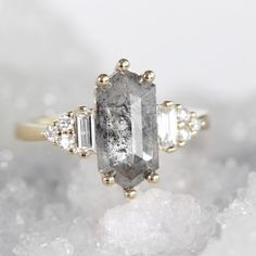 I absolutely love this one. Diamonds And Gold, Natural Diamonds, Round Diamonds, Hexagon Engagement Ring, Engagement Rings, Baguette Diamond, Dream Ring, Fashion Rings, Beautiful Rings