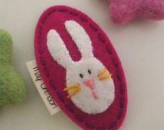 Felt hair clip -No slip -Wool felt -Rosie the rabbit -raspberry