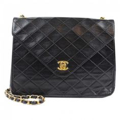 Buy your leather handbag CHANEL on Vestiaire Collective, the luxury  consignment store online. Second-hand Leather handbag CHANEL Black in  Leather available. 4f897b360b