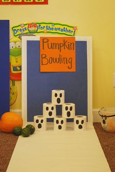 Halloween Crafts for Kindergarten Party - From the thousands of pictures on the net about halloween crafts for kindergarten p Preschool Halloween Party, Halloween Class Party, Fall Preschool, Halloween Halloween, Halloween Games For Preschoolers, Class Halloween Party Ideas, Halloween Preschool Activities, Halloween Classroom Decorations, Youth Activities