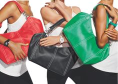Black, white & bright! We love the look of these Chained Link Satchels for a quick & easy wardrobe refresh! #AvonSpring