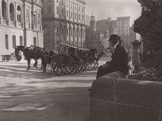 An image of Cabbies, Bridge Street, Sydney by Harold Cazneaux Sydney Australia, Art Auction, Historical Photos, Great Britain, Old Photos, Past, Surfing, Landscape, Places