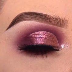 - Prom Makeup Looks Makeup Inspo, Makeup Inspiration, Beauty Makeup, Hair Makeup, Makeup Tricks, Make Up Looks, Formal Makeup, Make Up Videos, How To Apply Eyeliner