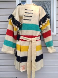 Viable stitching for various seams. Folk Clothing, Historical Clothing, Capote Coat, Hudson Bay Blanket, Man Gear, Blanket Coat, Altered Couture, Mountain Man, Coats For Women