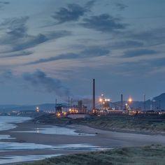Tata Steelworks at dusk from Kenfig burrows Glamorgan. #ukcoastwalk Photo: Quintin Lake www.theperimeter.uk