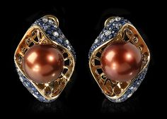 Mousson Atelier, collection Undina,  earrings, Yellow gold 750, Pearl, Diamonds, Sapphires