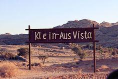 Die wilden Wüsten-Pferde in der Namib - Pint Picture Cosy Fireplace, Wooden Decks, Sea Level, Wild Horses, South Africa, Cool Photos, Scenery, Ocean, Places