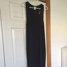 H&M Dress Perfect for spring and summer!!   Worn about 2x.  Mint condition. H&M Dresses Midi