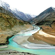 Ladadkh is a district in north region of India. It's capital is Leh. Ladakh is know for it's scenic beauty which includes streched sandy landmass, water Rio, Leh Ladakh, Ladakh India, Cheap Places To Travel, India Travel, Tourism India, Travel Tourism, Travel Info, Tourist Places