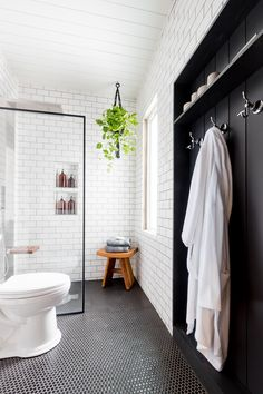 Home Renovation Bathroom Beautiful place to hang towels in this industrial bathroom - Come take a tour of this Black and White Industrial Bathroom before and after. This is proof small bathrooms can be luxurious. Bathroom Red, Bathroom Towels, Bathroom Storage, Modern Bathroom, Master Bathroom, Bathroom Ideas, Shower Ideas, Bathroom Organization, Bathroom Closet