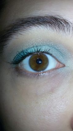 CHIKI88...  my passion for nails!: Thursday make up: Green eyes!